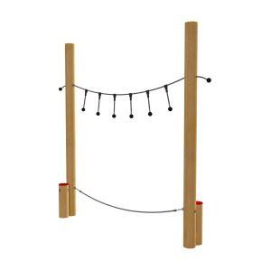 Twee touwen tussen robinia palen met losse boventouwen