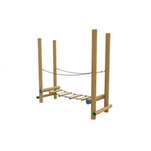 Robinia evenwichtstoestel met een brug van ronde balken.
