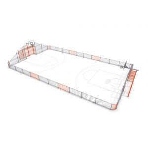 Voetbalveld met stalen omheining en een basket